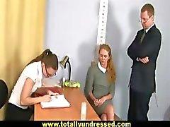 Nude työhaastattelu makeaksi blondi sihteeri