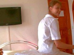 İhale Gençlik hizmetçi Beata aletini alınarak