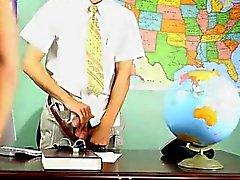 Homo guys Krys Perezin pelaa super- tuhma professori, joka matkallesi ov