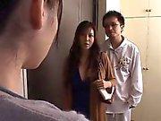 Japanischen Gattin verstoßen Vorderseite des Mannes