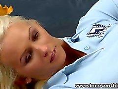 InnocentHigh Blonde Schul fickt geile Coach