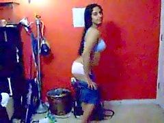 Heiße Indian Girl aussetzen ihren nackten Körper mit ihren BF genossen
