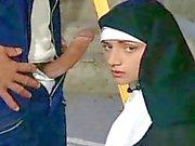 Vieze nonnen seks hebben met priesters