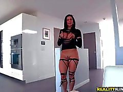 Round Ass babe Kendra Lust is ready for action