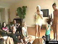 meninas aprendem na festa boquete