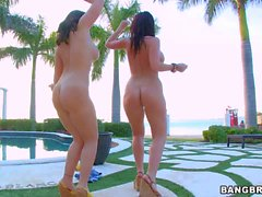 Fully nude Big butt ladies Sophie Dee and Emma Heart