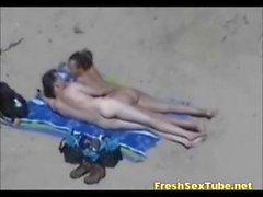 Bündel Hot Nackte Nudist Auf Fluss Und Den Strandseite