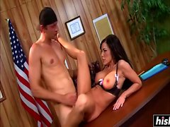 Victoria Valentino gets her pussy nailed