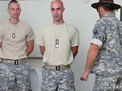 Gay chicos del ejército de EE.UU. xxx vídeo gratis de longitud completa que nunca BJ'ed