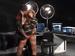 Blonde Babe Jenna Elfenbein aufgeregt für Lexingtons großen Schwanz