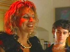 Italienische Mumy Pleazin a Suny