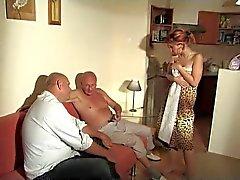 2 vieux hommes baisée Fillette