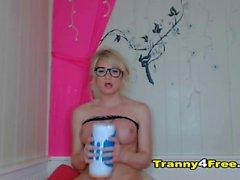 Acción Busty Blonde Tranny Solo Habitación