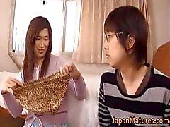 Mulher madura japonês tem bonito part1
