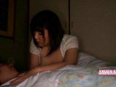 Joli jeune japonaise Séducteur Seins