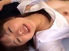 Pretty Asian Babe bekommt ihre heiße Honig Loch gebohrt hart und
