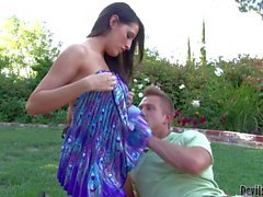 Buxom bombshell Kortney Kane gets humped in the open air