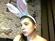 Busty Bunny masturbieren