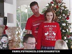 FamilyStrokes - cogiendo a mi SIS durante las vacaciones de Navidad fotos