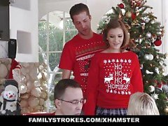 FamilyStrokes - Tatil Noel Pics sırasında My Sis Lanet