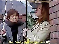 Japanse Vrouw van Next Door deel 2 harde orgie met vrouw , tante en zus .