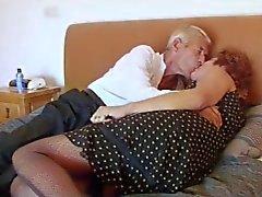 Fishnet de de mamie baise papy