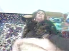 Iranian MILF fucks a guy in her home