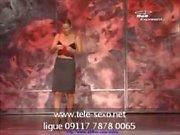 Mago femminile diventa completamente nudo sul palco tele sexo 09117 7878 00