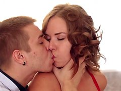 Kinky Diana satisfies a cute babe