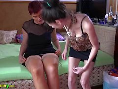 OldNanny reife Oma Frauen und Teen Lesben