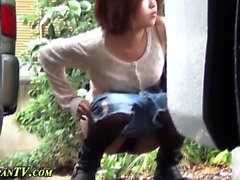 Highheeled asians peeing