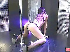 Pole dancing de Shana Lane, fica garganta profunda