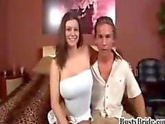 Vollbusig Braut Sara Stone bekommt von anderen Mann gebumst