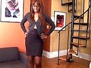 Schöne Ebony Strumpfhosen Sniff und Fuß Anbetung After Work Footslave