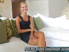 Jessi au visage actrice de angéliques herbe pornographique juste 18 ans