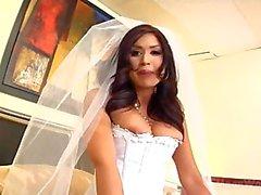 Éva d'Angelina des forces d'empoissonnement vous permet de lécher pieds et le cul après le mariage