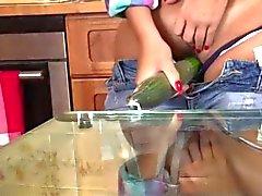 Sexited Bombshell Spiele im Kitchen