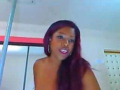 Big Black Butt auf Cam - mehr Videos auf sexycams8 org