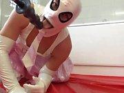 pvcsissy schoolgirl cums em castidade