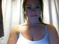 Chicas complaciendo sí misma por webcam