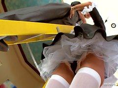 Iri tokmakları ile Milfy maid Kristal Summers