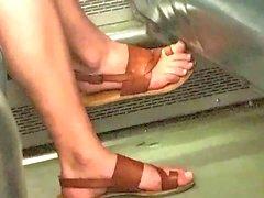 Piedi di Blonde sincere e Piedini in Treno
