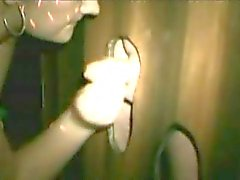 Amatuer grávida suga muitos galos no gloryhole