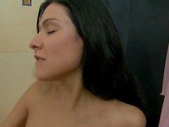 Tender lesbian suihkut seksi Lindsay ja Elizabeth kanssa