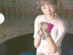 Anime Sexsklave in Seilen auf sexuelle Neckereien vorgelegten