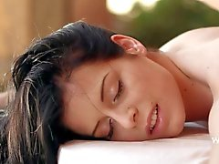 Des hübschen Brunette erhält Internal Massage