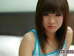 Erstaunliche Japaner Teenager necken Zapfen