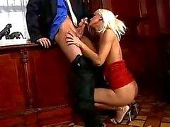 Z44B 622 Blond verführt ihren Boss
