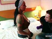 Tatuaje Estrella de porno Kitty Core beim Casting con normalen Typ