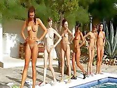 Seis garotas nuas na piscina da Alemanha
